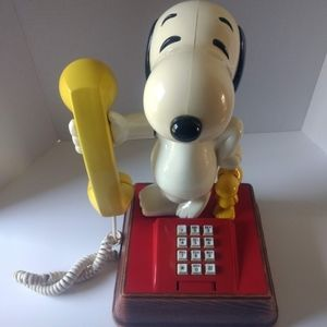 Vintage Snoopy and Woodstock Phone